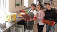 gerontologia-da-puc-doa-alimentos-para-casa