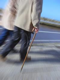 bengala-um-auxilio-na-locomocao-ou-sinal-de-incapacidade