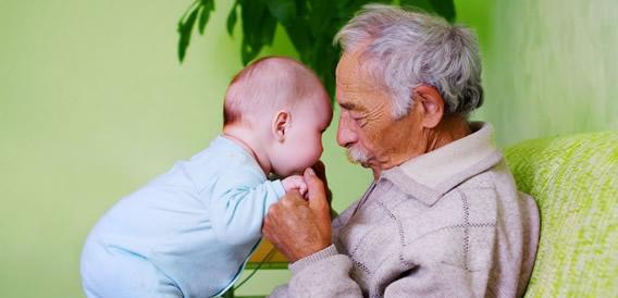 como-a-familia-pode-manter-o-maior-tempo-possivel-seus-idosos-em-casa