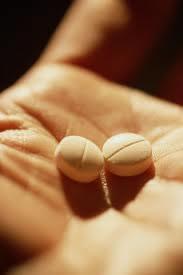 tomar-remedios-por-conta-propria-um-grave-risco-para-os-idosos